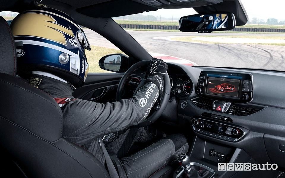 Hyundai_i30 Fstback N 2019, guida in pista