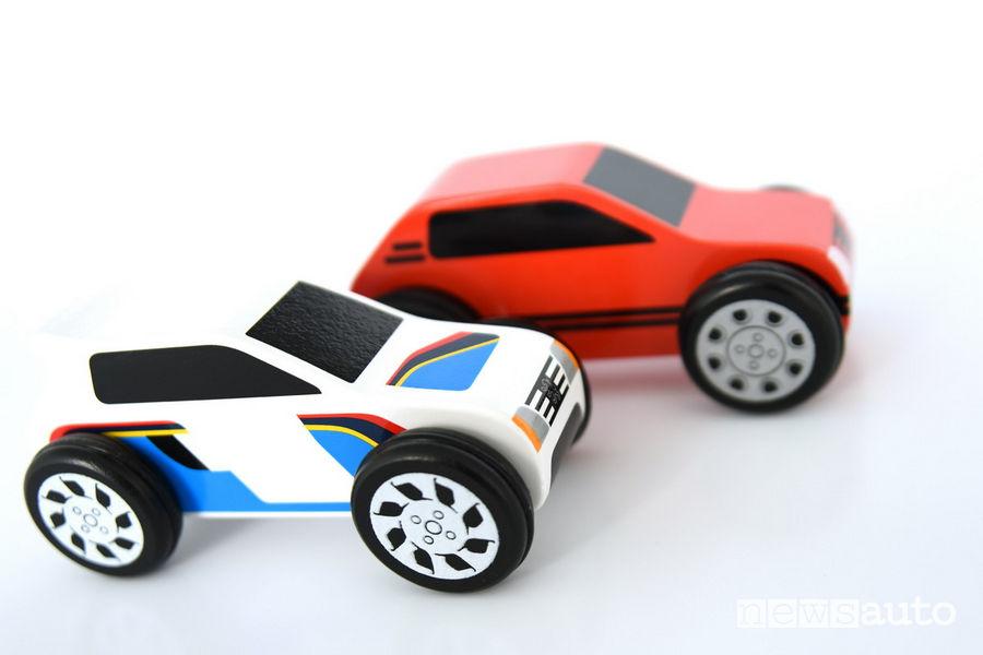 Modellini auto da collezione Peugeot 205 GTi rossa e 205 Rallye