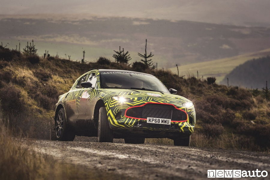 Il SUV DBX di Aston Martin, la prima versione vista in anteprima