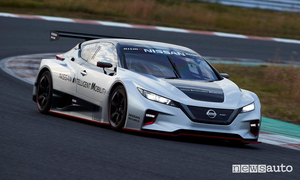 Nissan Leaf Nismo RC da corsa, vista di profilo
