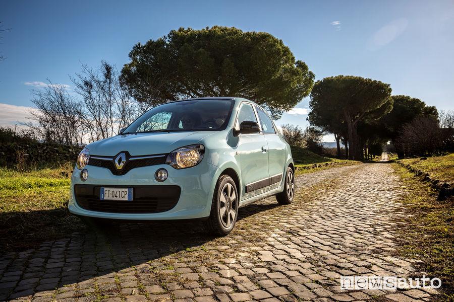 Renault_Twingo GPL 2019 selciato Via Appia Antica