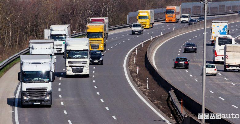 Emissioni TIR camion e autocarri