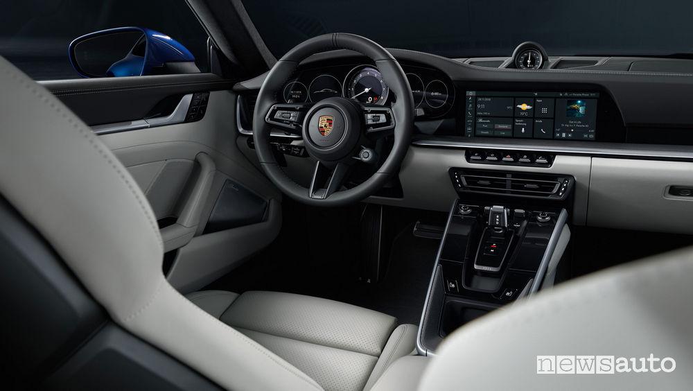 Nuova Porsche 911 2019 Carrera 4S, abitacolo