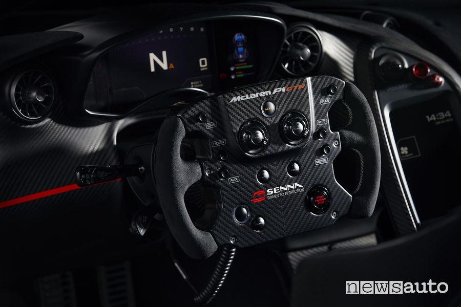 McLaren P1_GTR Senna, volante