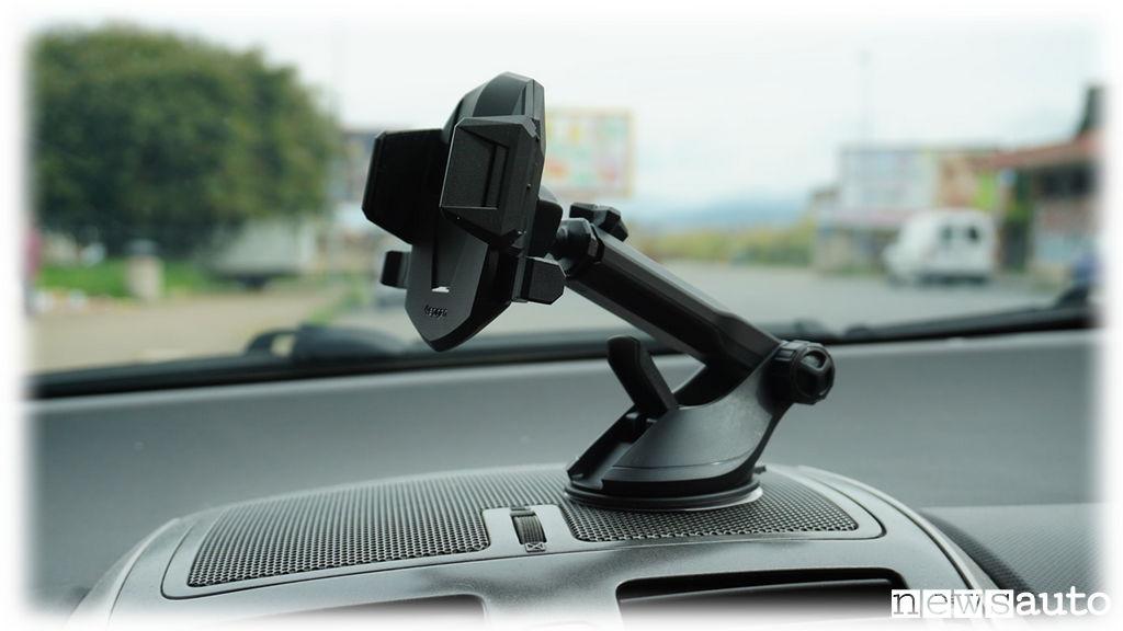Idee regalo natale supporto smartphone per auto foto for Regalo tv usato