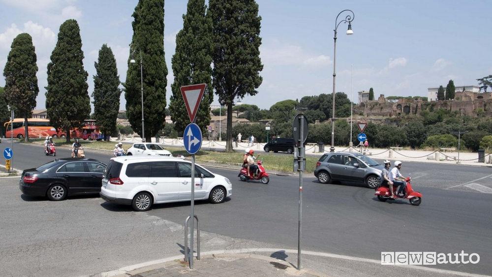 Incroci pericolosi a Roma Circo Massimo