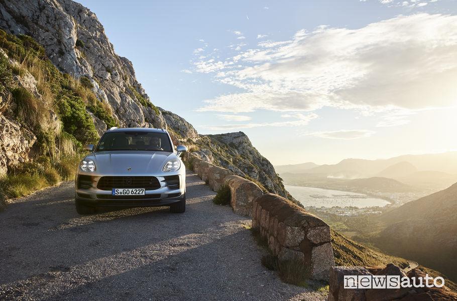 Porsche_Macan S 2019, vista frontale