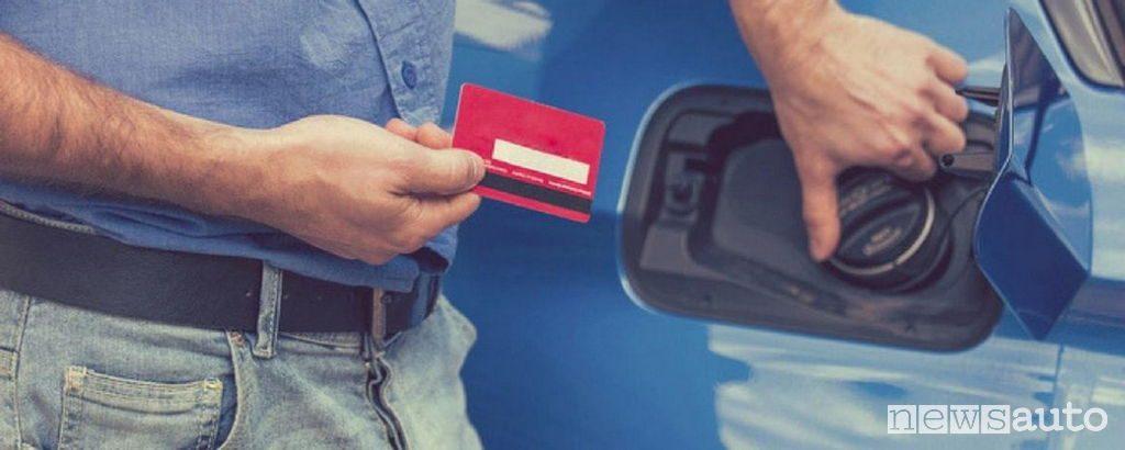 come pagare al self service con carta di credito