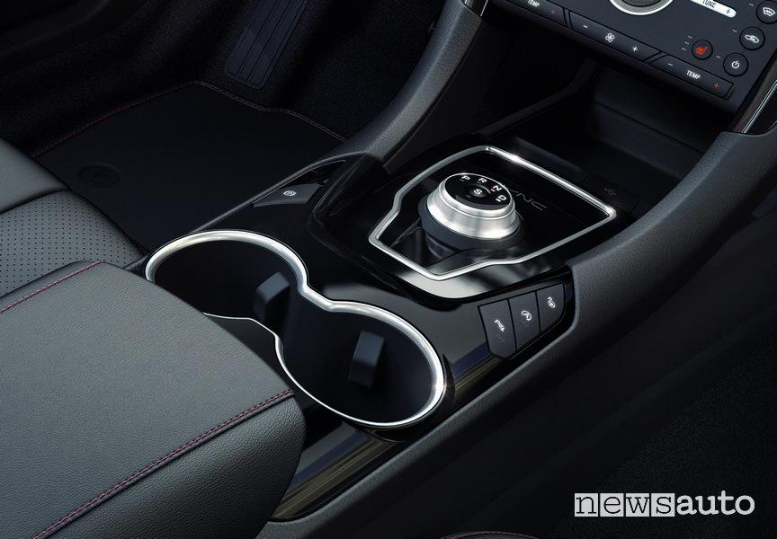 Ford Mondeo Hybrid 2019, comandi tunnel centrale