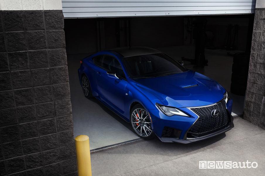 Lexus RC F 2020, vista di profilo