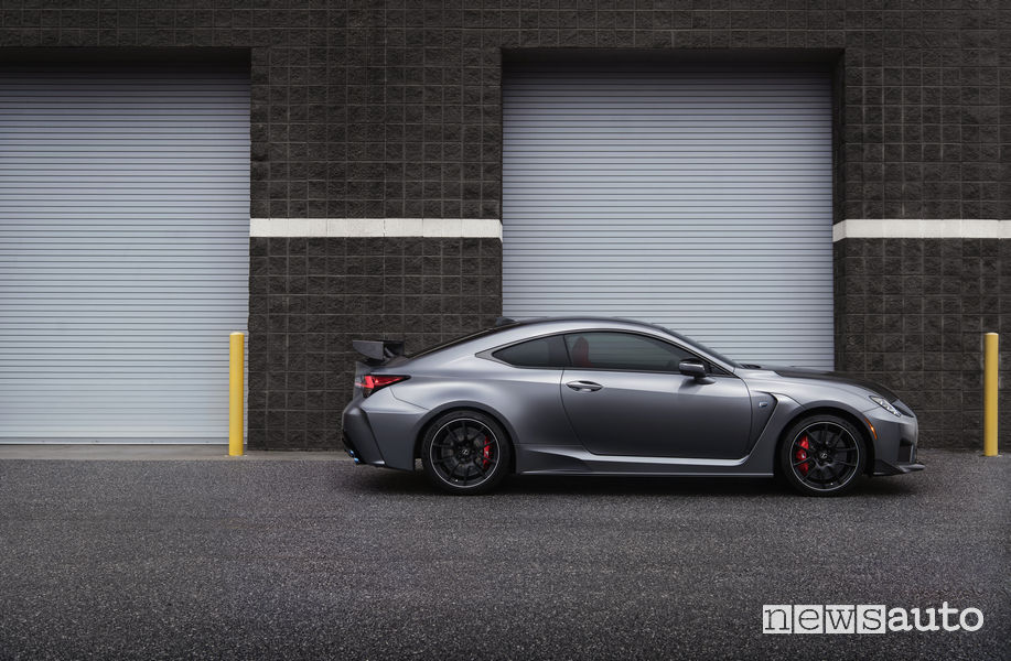 Lexus RC F Track Day, vista laterale