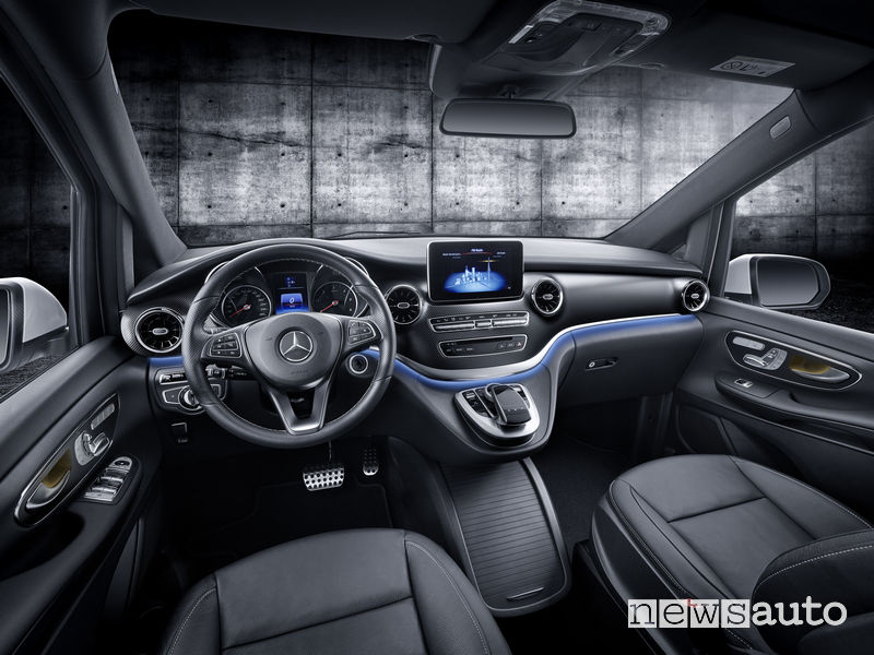 Mercedes-Benz Classe V 2019, plancia strumenti