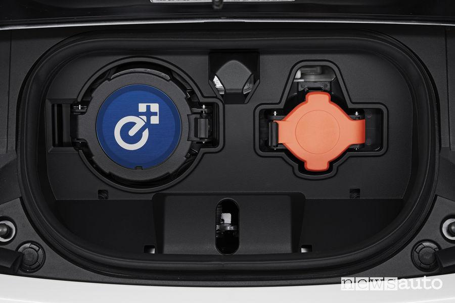 Nissan Leaf 3.Zero, attacco per la ricarica