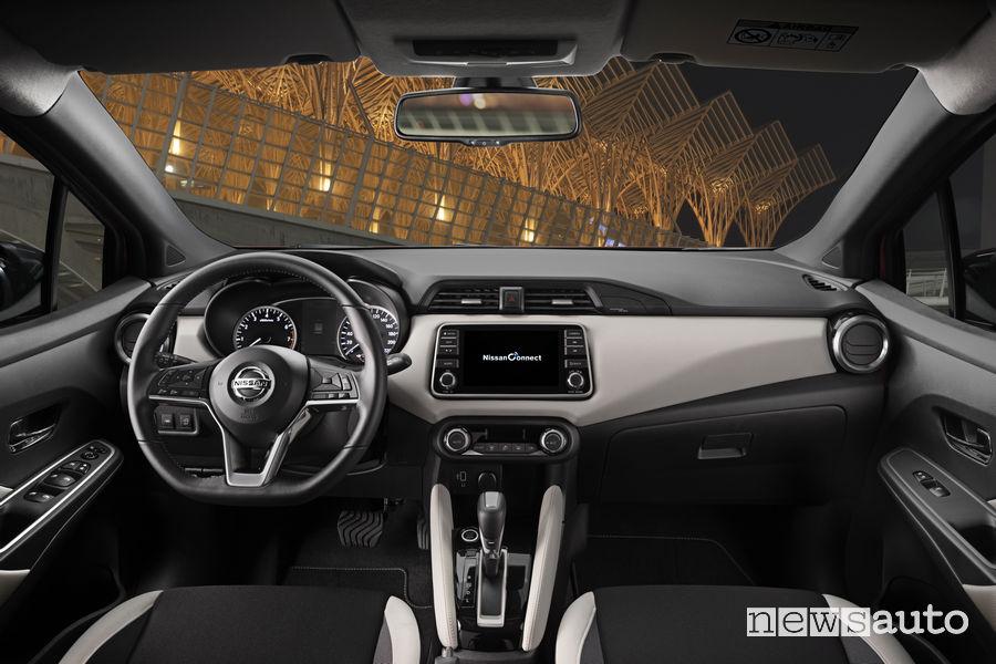 Nissan Micra 2019, plancia strumenti