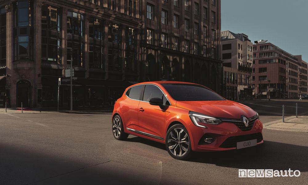 Frontale aggiornato e nuovi fari a led sulla Renault Clio 2020