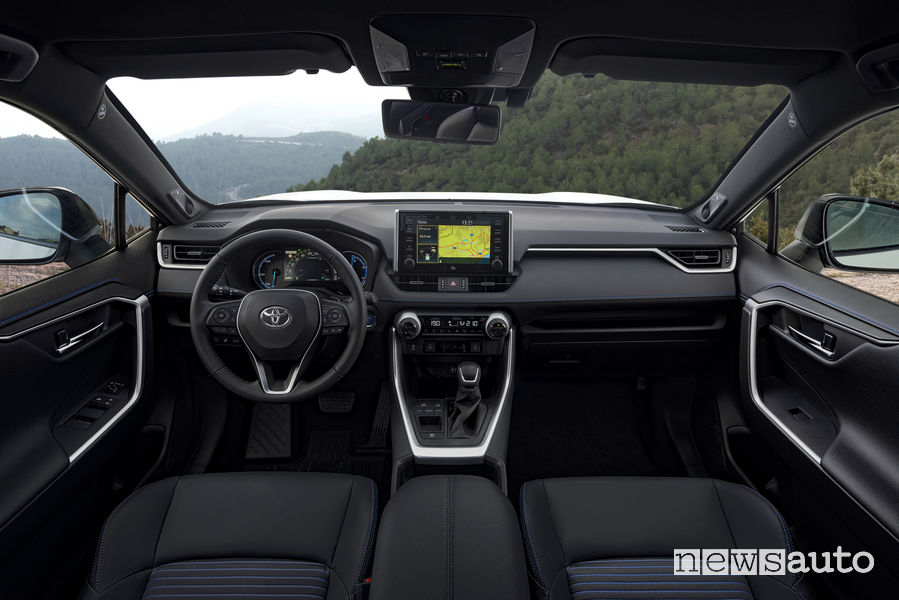 Nuova Toyota Rav4 2019, plancia strumenti