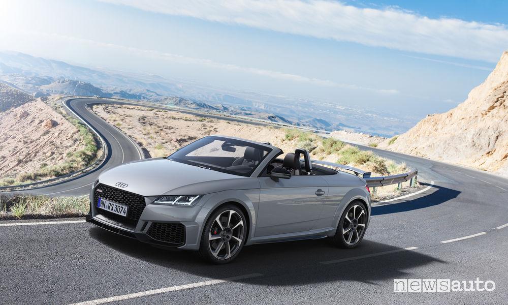 Audi TT RS Roadster, vista di profilo