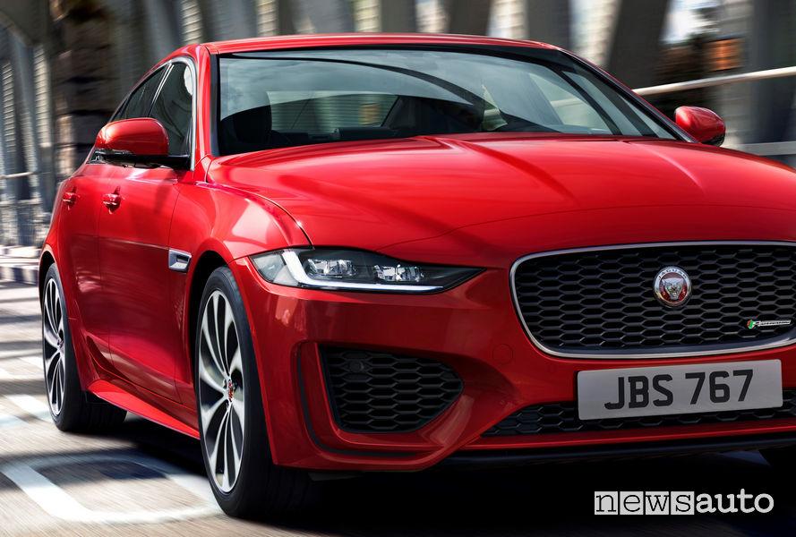 Jaguar XE 2019, vista frontale