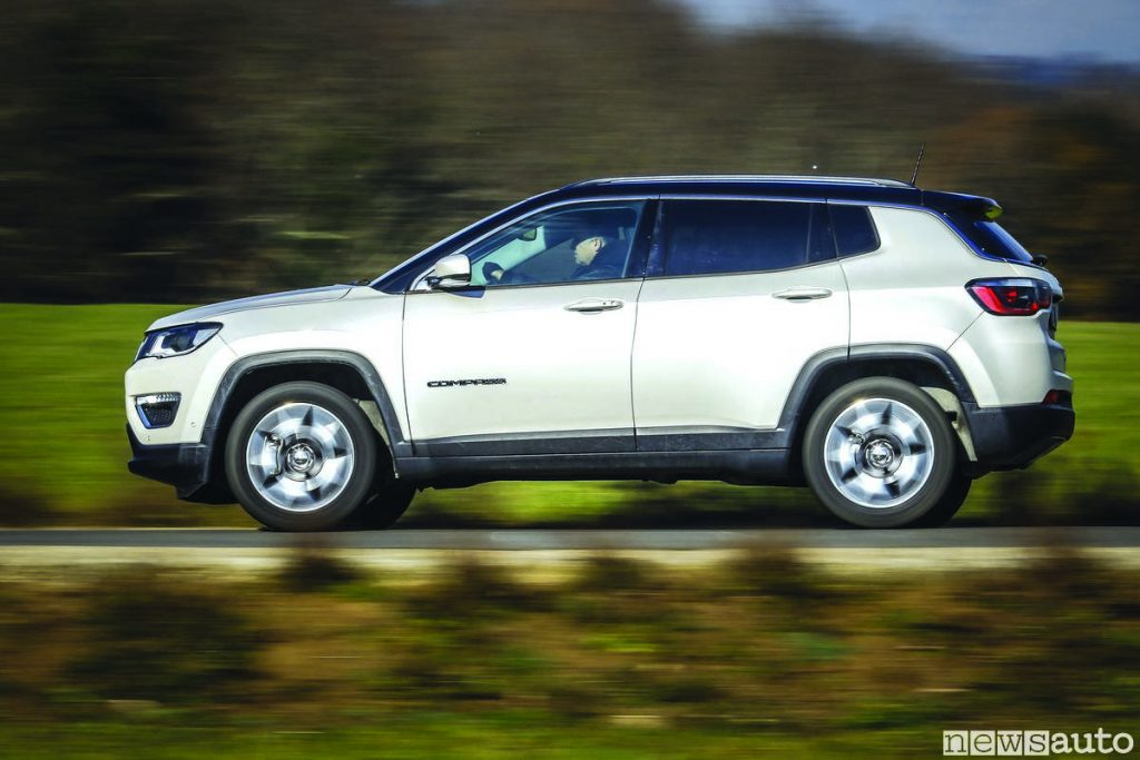 Jeep_compass_limited_2019 bianca vista laterale