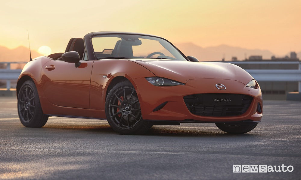 Mazda MX-5 30th Anniversary Edition, vista di profilo