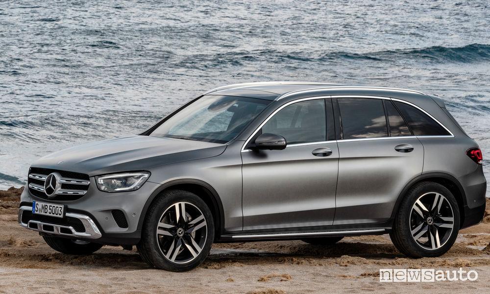 Mercedes-Benz GLC 2019, vista di profilo