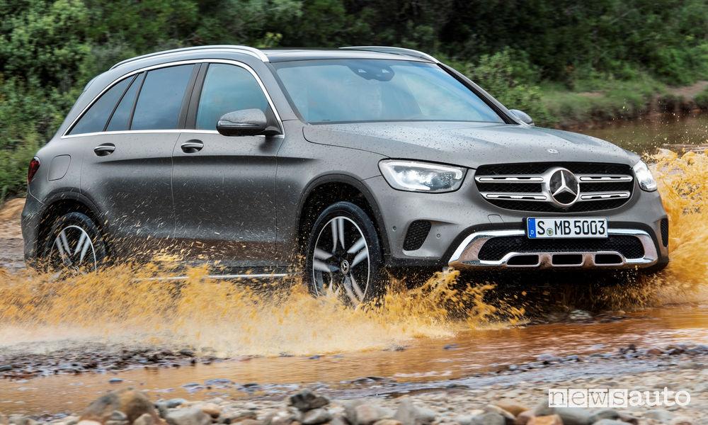 Mercedes-Benz GLC 2019 guado, vista di profilo