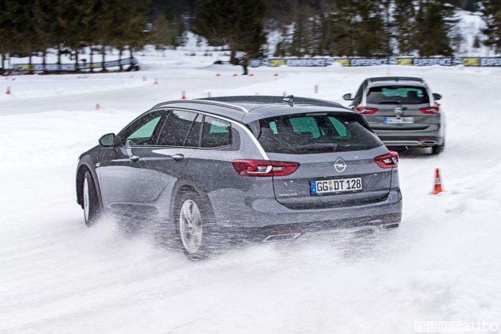 Opel Insignia drfting su neve 4x4