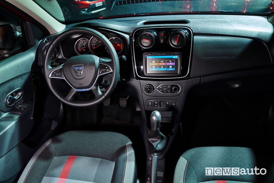 Dacia Sandero Stepway Techroad, plancia strumenti