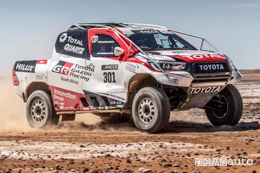 Alonso test con la Toyota Hilux Dakar nel deserto di Kalahari