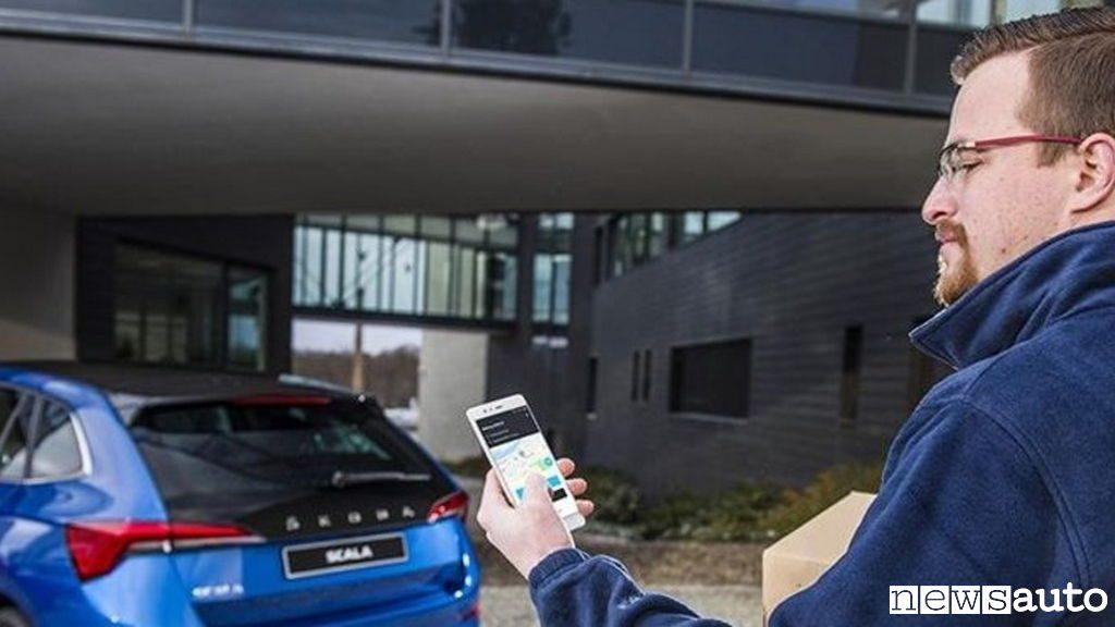 acquisti online consegna pacco in auto con Skoda auto DigiLab