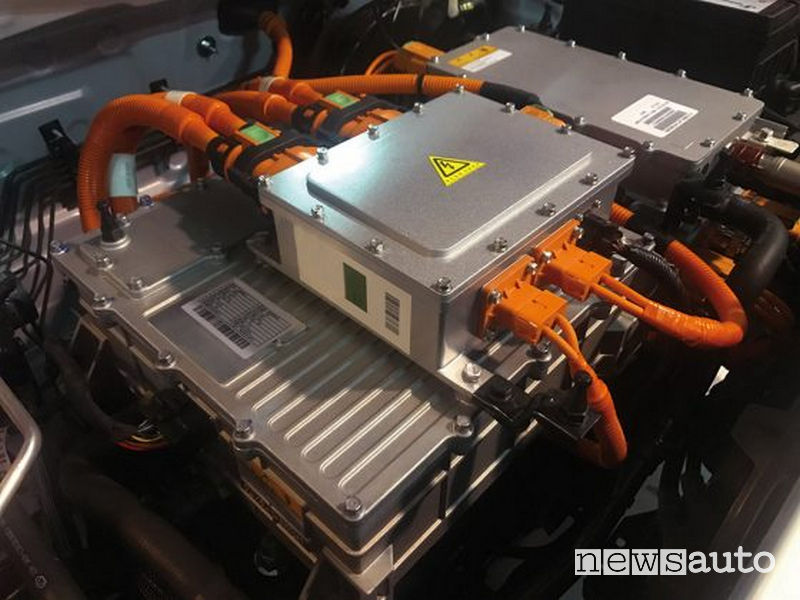 DR3 EV elettrica, batteria ioni di litio da 54,3 kW