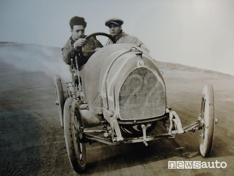 Enzo Ferrari pilota giovane