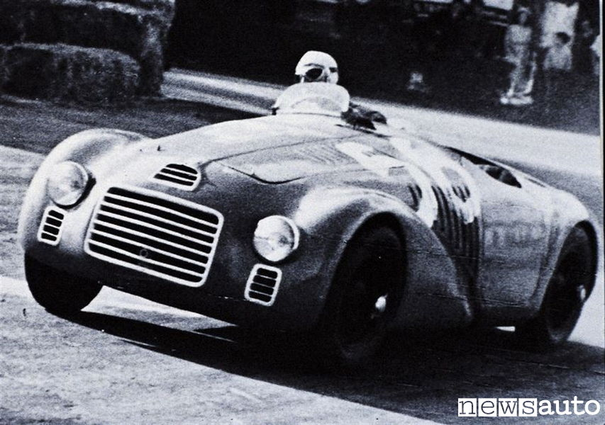 Ferrari 125 S guidata da Franco Cortese