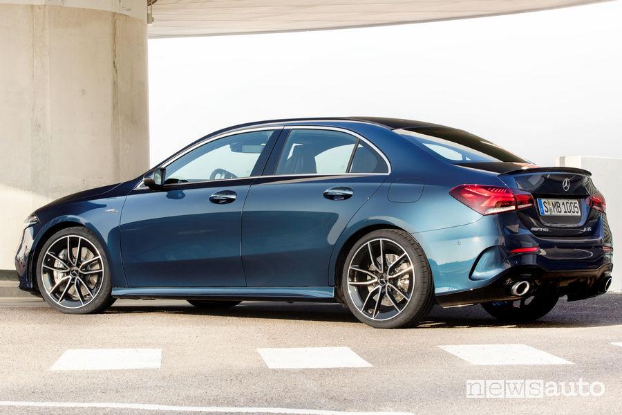 Mercedes-AMG A 35 4MATIC Sedan vista posteriore