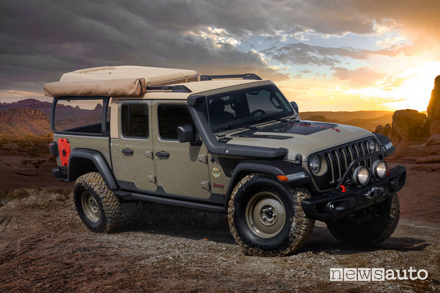 Jeep Wayout vista di profilo