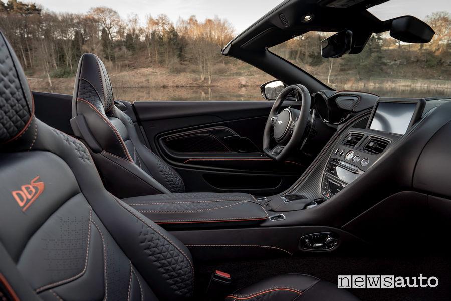 Abitacolo Aston Martin DBS Superleggera Volante