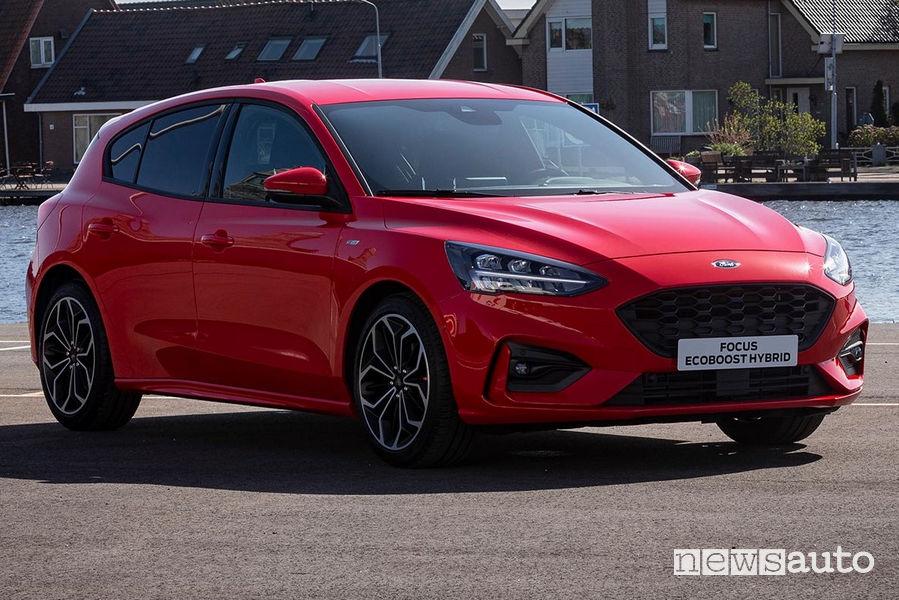 Ford Focus Ecoboost Hybrid vista di profilo