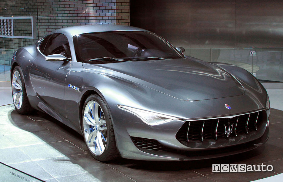 Maserati Alfieri due versioni: una totalmente elettrica a zero emissioni e una ibrida plug-in.