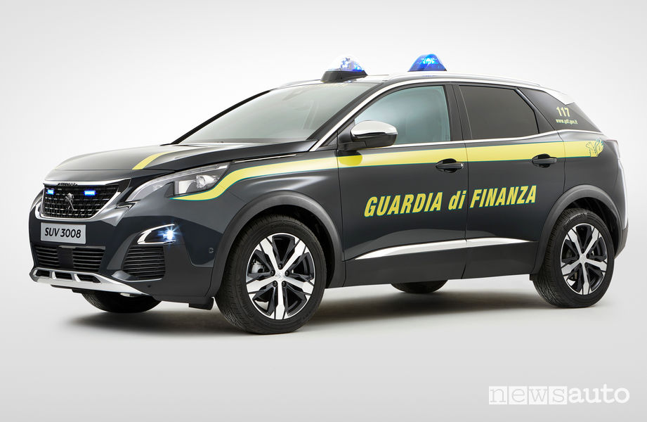 Peugeot 3008 Guardia di Finanza vista di profilo