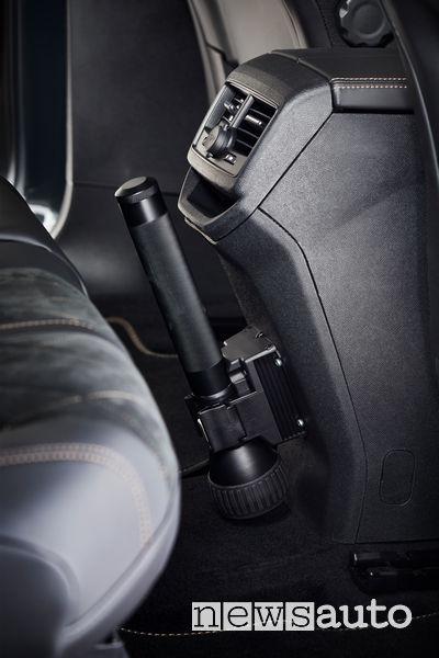 Torcia su Peugeot 3008 Guardia di Finanza