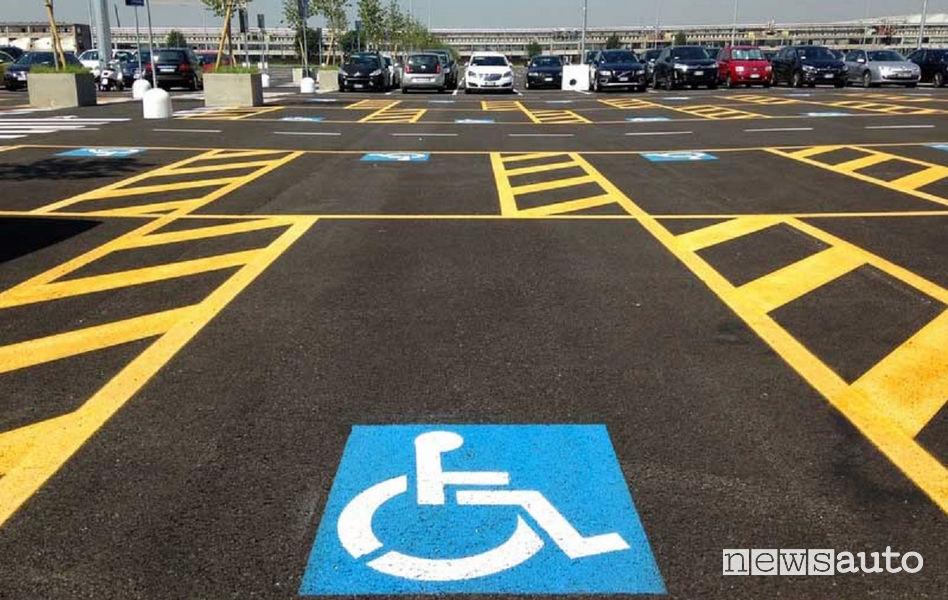 Codice della Strada strisce di disabili