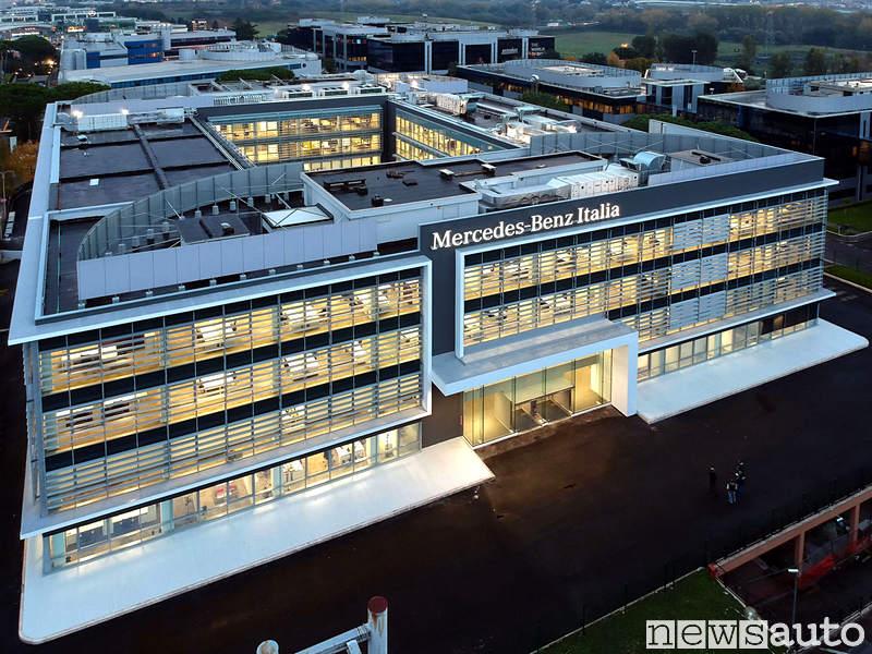 La nuova sede di Mercedes-Benz Italia a Roma con diversi dipendenti in smart working già dagli scorsi anni