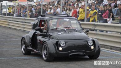 Vecchia Fiat 500 elaborata tuning al motorshow-2mari