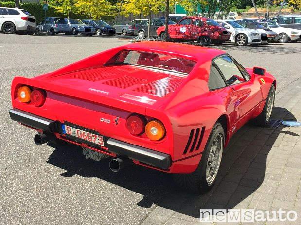 La vera Ferrari 288 GTO con targa tedesca rubata dal concessionario