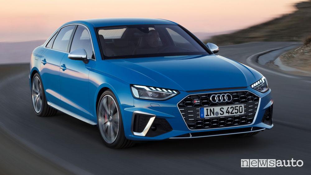 Audi S4 TDI vista di profilo in movimento