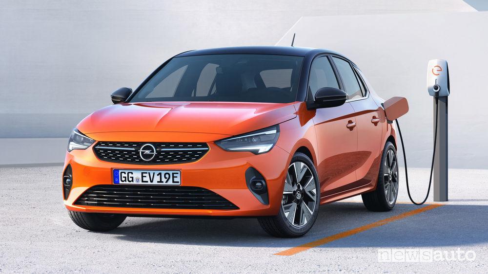 Opel Corsa-e elettrica ricarica