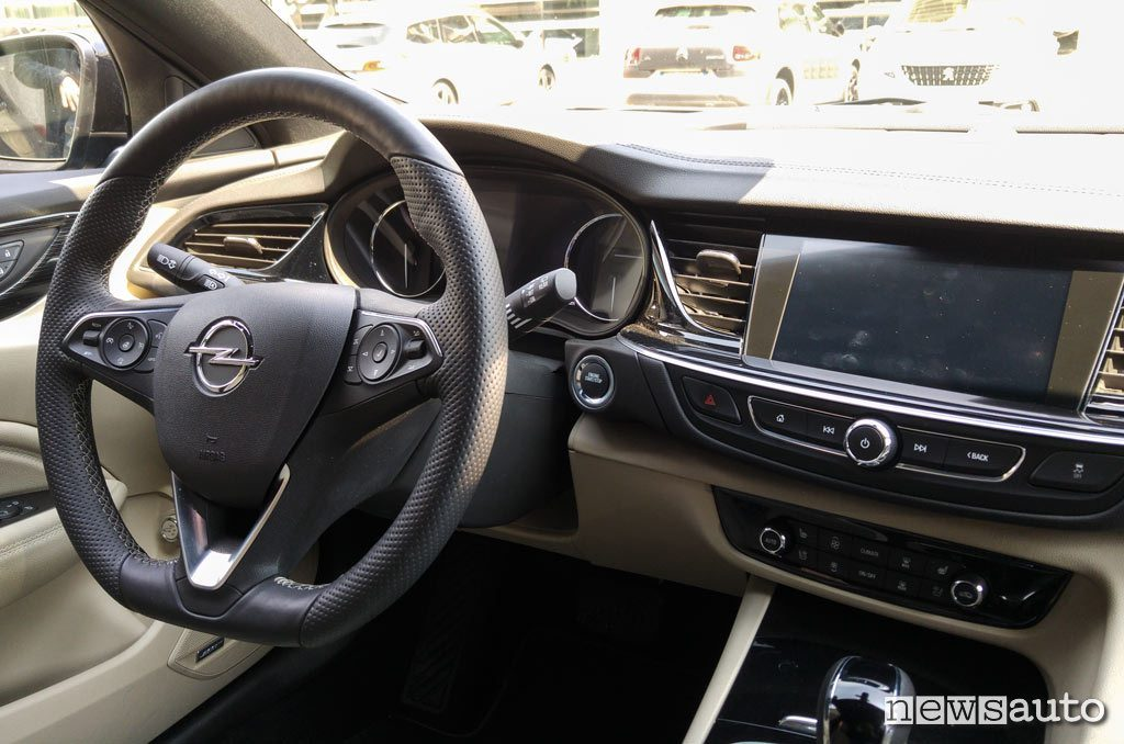 Opel Insignia Country Tourer interni