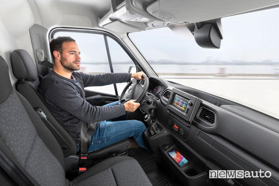 Opel Movano 2019 abitacolo