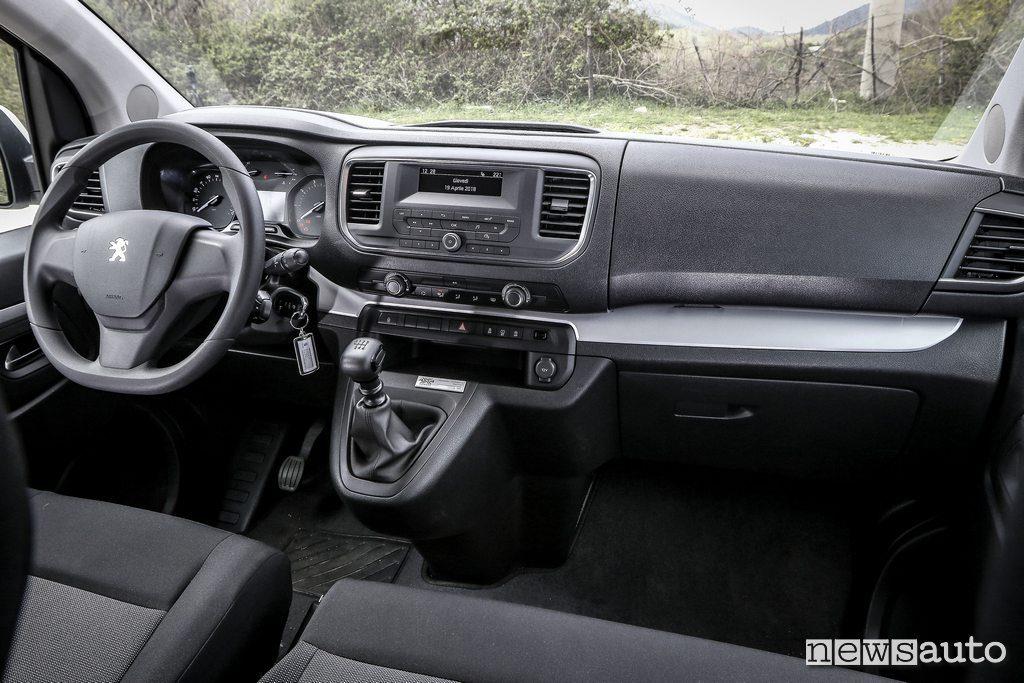 Peugeot Traveller van 4x4 interni furgone