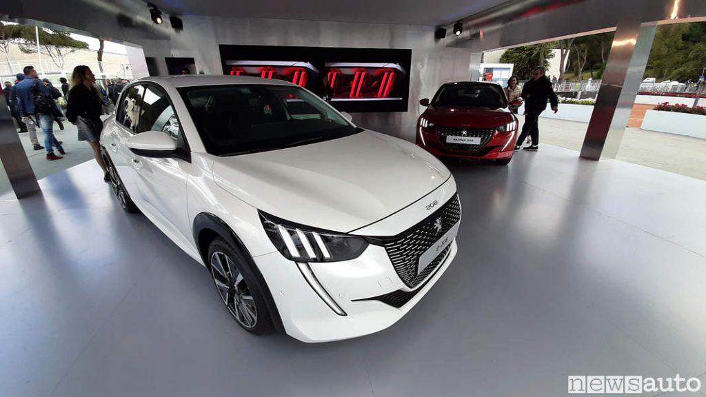 Peugeot_ 208 elettrica bianca agli Internazionali BNL d'Italia